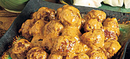 Meatballs-in-spicy-curry-peanut-sauce